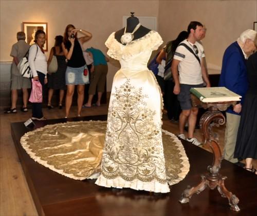 Burano Lace dress_cr