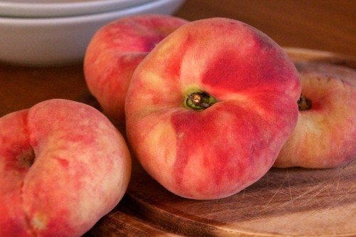 Tabacchiere (Saturnine) Peaches from Etna